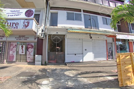 Local en location à Cayenne, 40m2,   - REF 1078