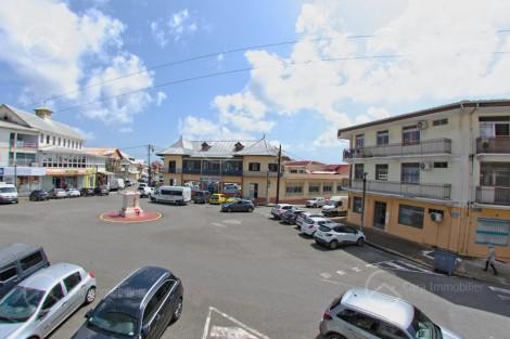Maison/villa en vente à Cayenne, 200m2,   4 pièce(s) - REF 1386